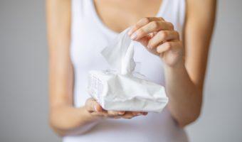 Papier toilette humide et lingettes : quelles différences  ?