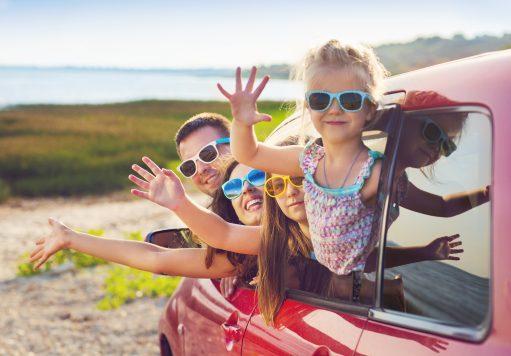 Voiture : 5 idées pour amuser les enfants pendant un long trajet